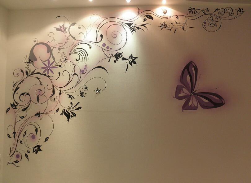 Не составляет сложности изобразить своими руками ветки с птицами, цветы и бабочек