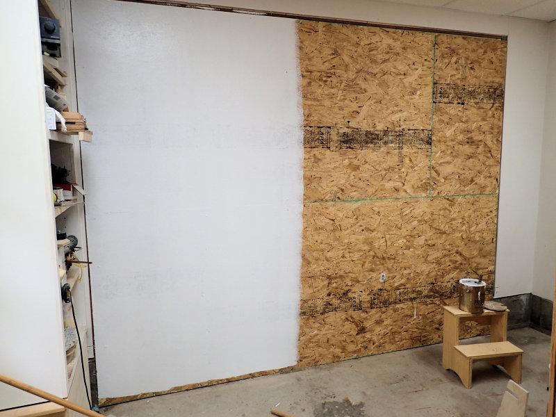 Чем покрасить ОСБ внутри помещения