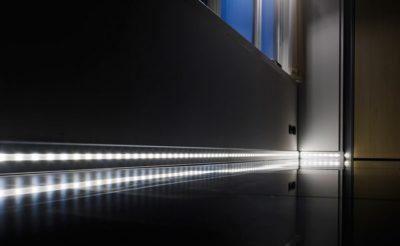 Светящийся напольный плинтус – советы по выбору и установке