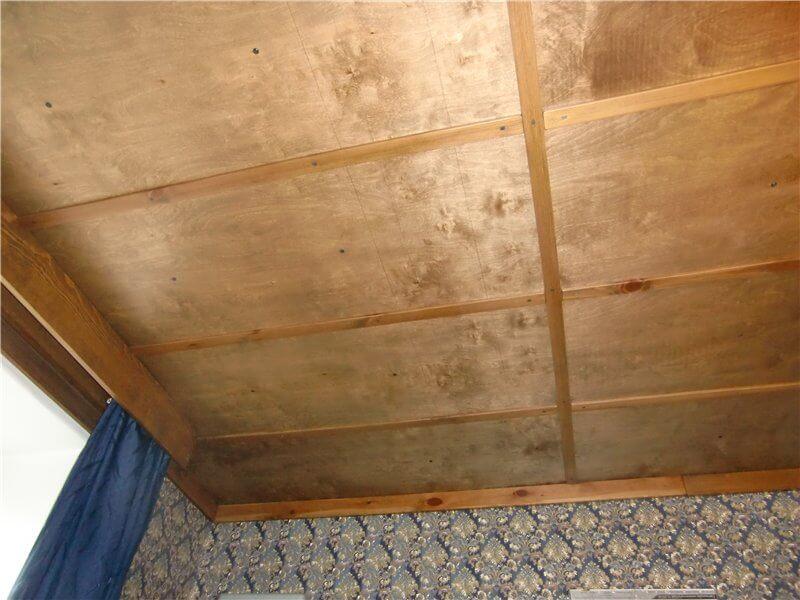 Потолок из фанеры (фото)