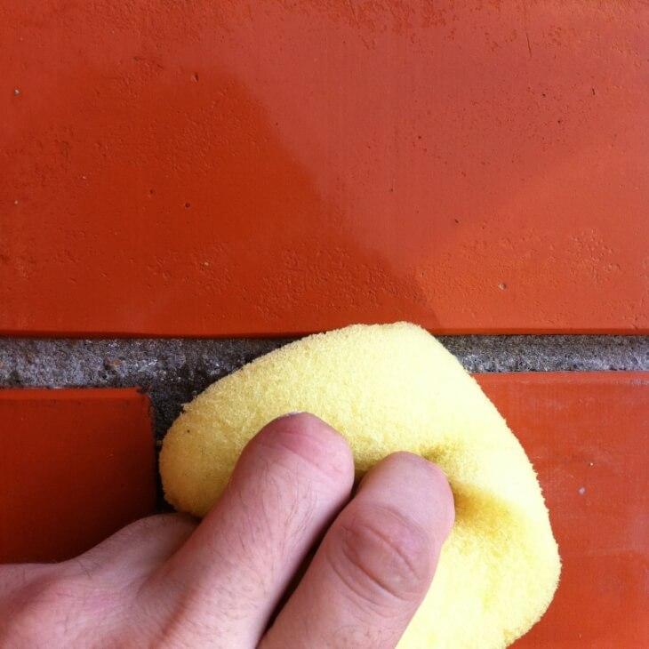 Удаление жирных пятен с поверхности печной кладки