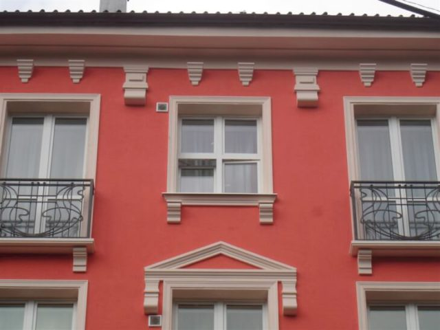 Декоративные архитектурные элементы отделки фасада дома