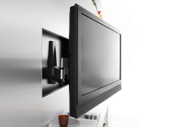 Легкий ЖК-телевизор можно монтировать без усиления стены из гипсокартона