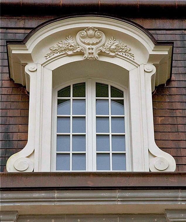 Обрамление окна 3-го этажа