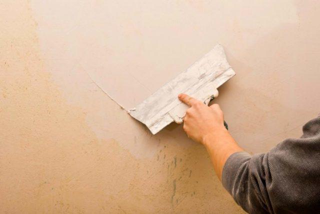 Для внутренней штукатурки шпаклевкой, нужно учесть поверхность стены, на которую будет наноситься материал