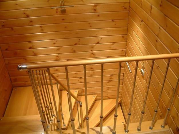 Отделка лестницы внутри дома