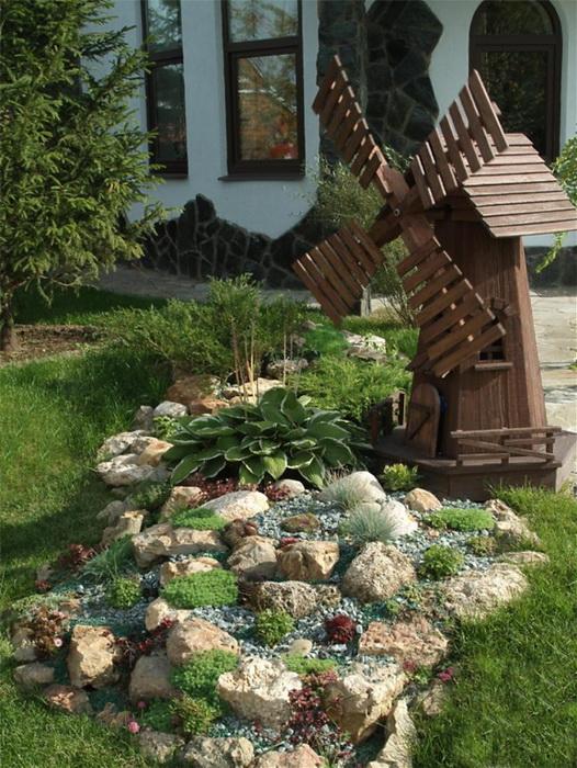 Альпийская горка в своём саду