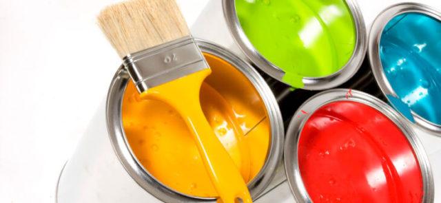 Составы красок для фасада на основе растворителя и алкидной смолы имеют ровный и яркий колер