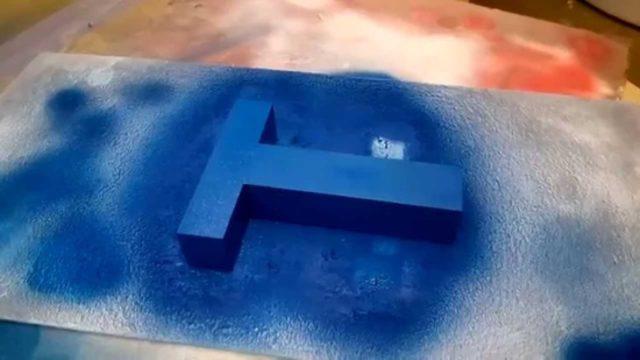 Красим буквы из пенопласта