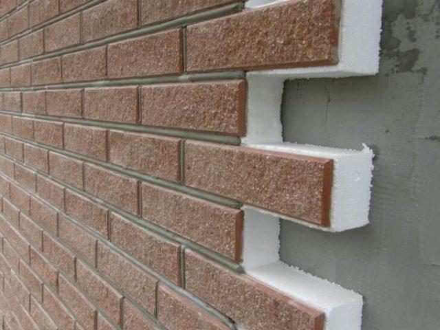 Обливаем стены каркасного дома термопанелями