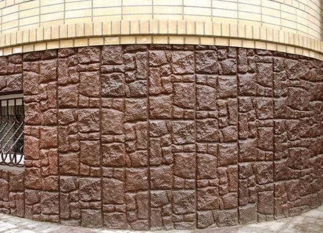 Цокольная плитка защищает фундамент