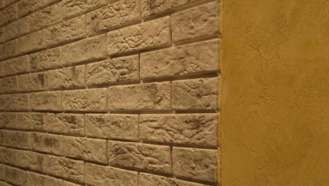 Отделка стены «под кирпич»