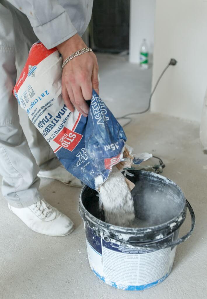 Разводим шпаклевку для стен