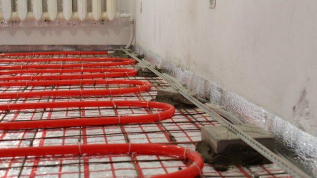 Уложенные трубы для теплого водяного пола