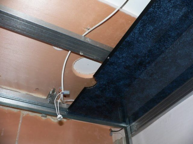 Этапы монтажа потолка из пластиковых панелей на каркас