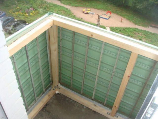 Монтаж сайдинга снаружи балкона