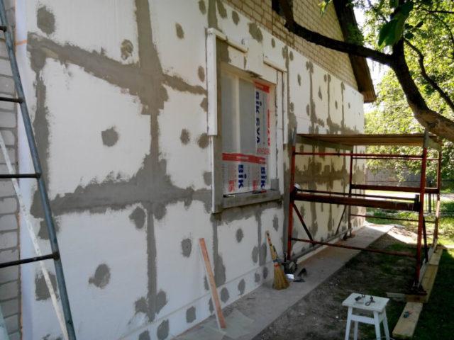 Отделка стен дома шпаклевкой