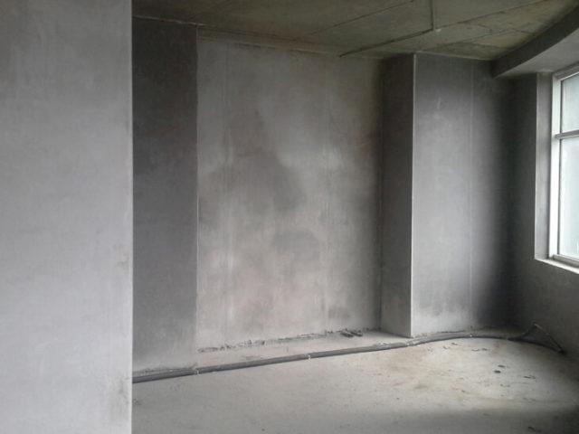 На данный момент строительный рынок переполнен продукцией с помощью, которой проходит оштукатуривание стен