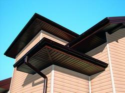 Софиты под карнизом крыши