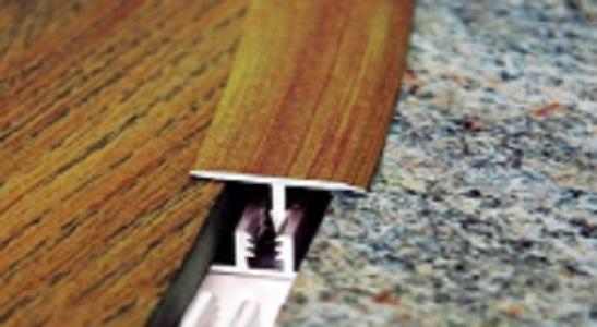 Заделка шва между напольными покрытиями