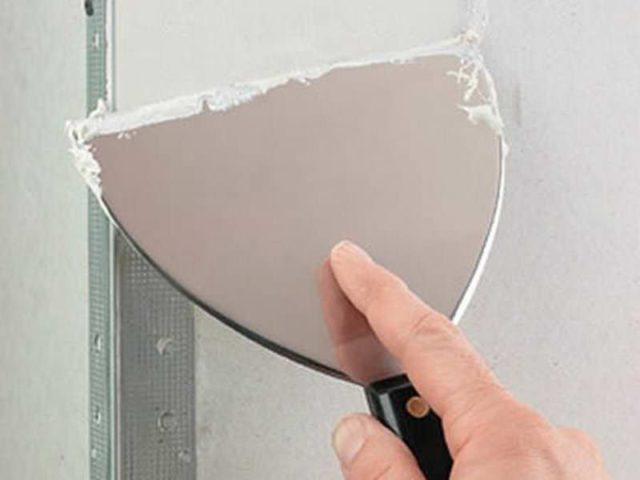 Перфугол играет роль маячка при выравнивании угловой стены