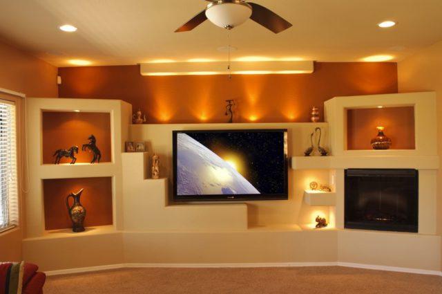 Красивые и функциональные ниши в стене могут полностью заменить собой мебельный гарнитур