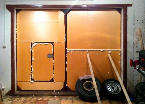 Утепление гаражных ворот должно быть эффективным и экономичным