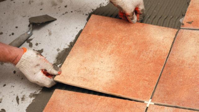 Керамическая плитка давно имеет репутацию наилучшего покрытия для балкона