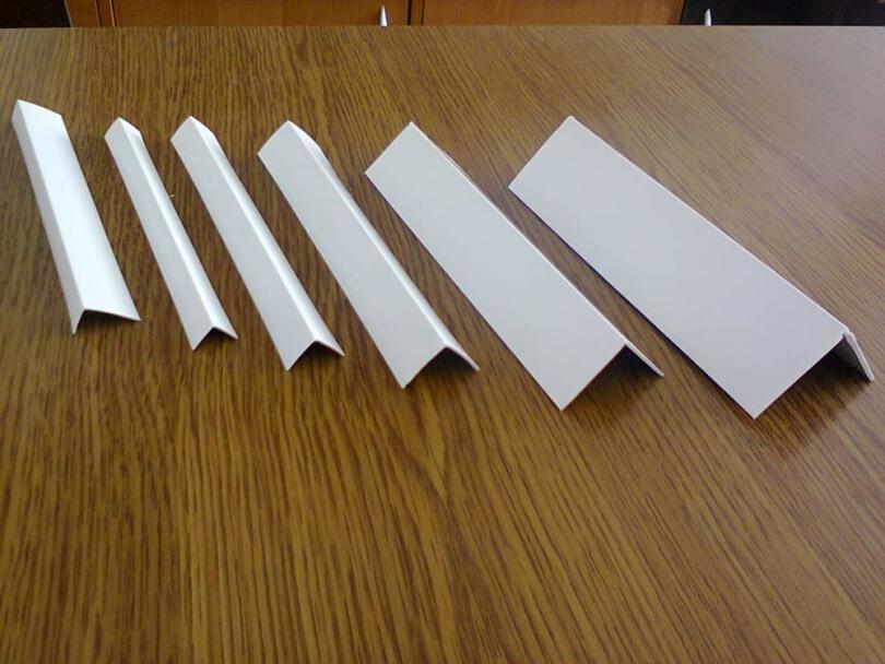 Пластиковые уголки белые