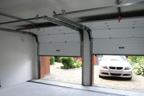 Подъемно-секционные гаражные ворота