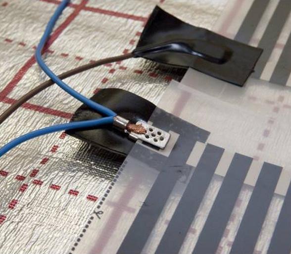 Общий вид клемм для соединения полос, а также устройство их изоляции.