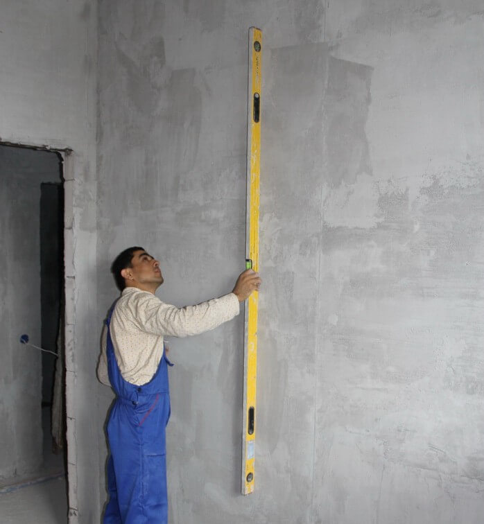Оштукатуренная стена перед шпатлеванием