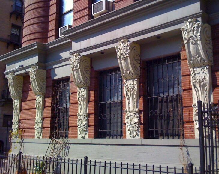 Архитектурные элементы фасада