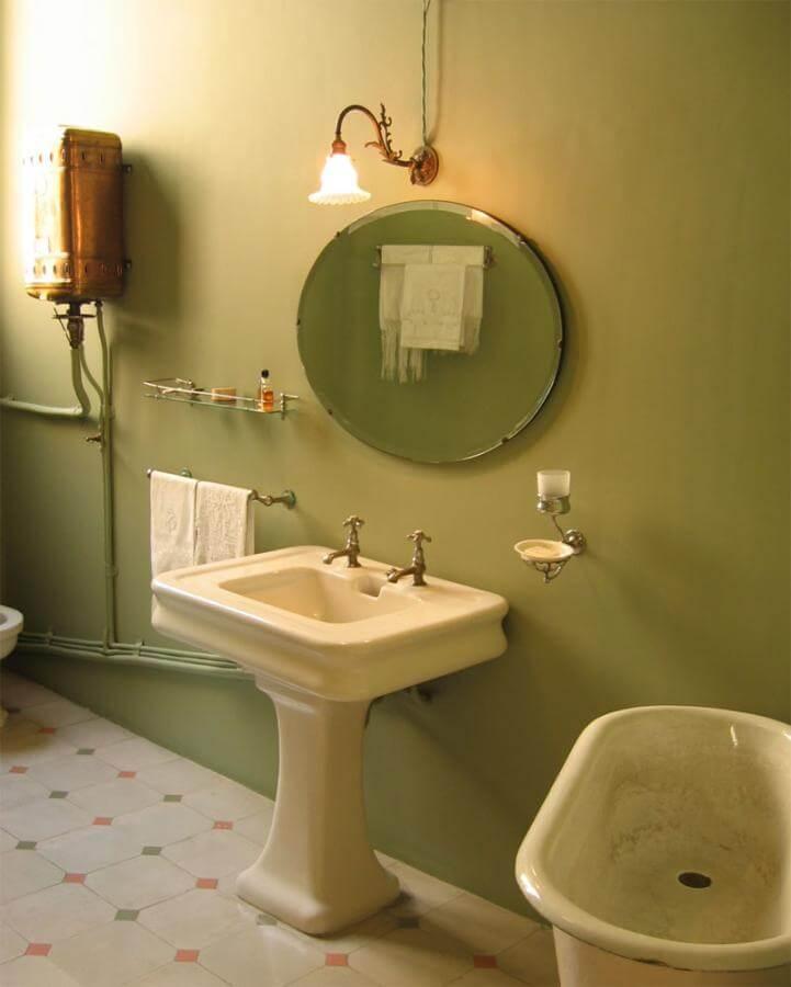 Крашенные стены в ванной комнате