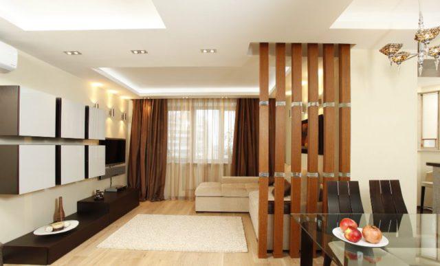 Естественно, возможны и деревянные перегородки в квартире, которые могут украсить любое внутреннее помещение, облагородить его и сделать более натуральным и живым