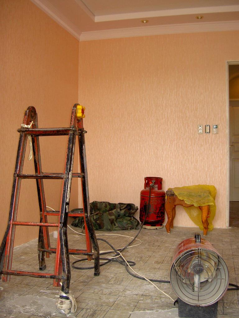Инструменты для монтажа натяжного потолка и потолочного плинтуса