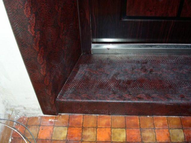 Порог для входной двери в квартире