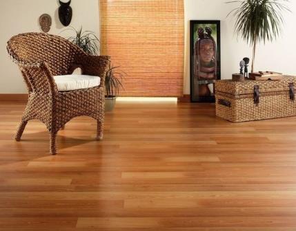 Нейтральные цвета дерева легко сочетать практически с любым дизайном
