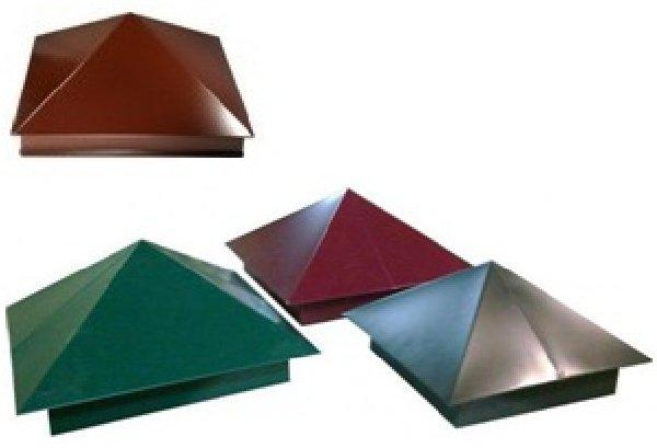 В строительных магазинах вам предложат множество различных вариантов колпаков и заглушек для забора