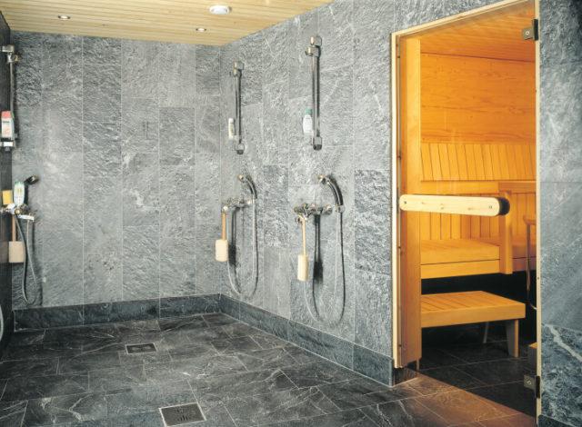 Оригинальный вариант отделки бани керамической плиткой