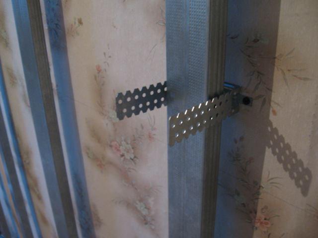 Специалисты рекомендуют всегда придерживаться основных правил установки гипсокартона на стены