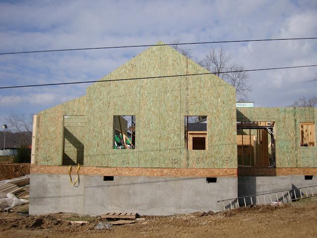 Монтаж стен для дома