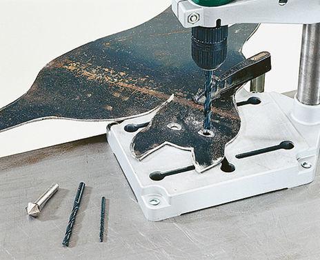 Фиксация листа металла