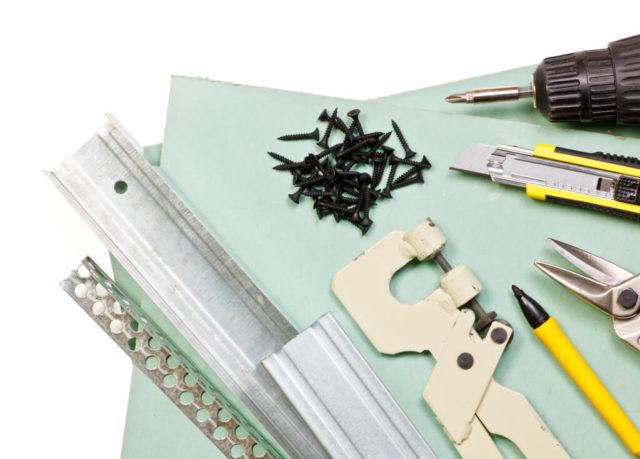 Набор инструментов и материалов для обустройства арки
