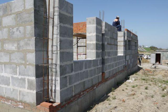 Строим дом из керамзитобетонных блоков самотоятельно