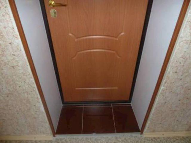 Отделка дверного откоса в квартире