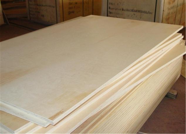 Листы фанеры имеют разную толщину в зависимости от области ее применения