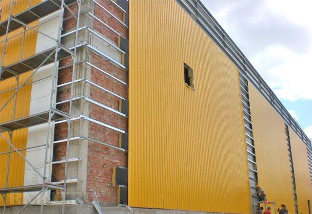 Вентилируемый фасад из металлопрофиля