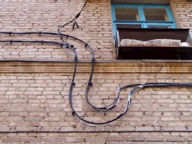 Крепление СИП на стену
