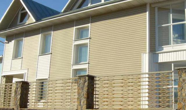 Фасад отделанный панелями альта профиль